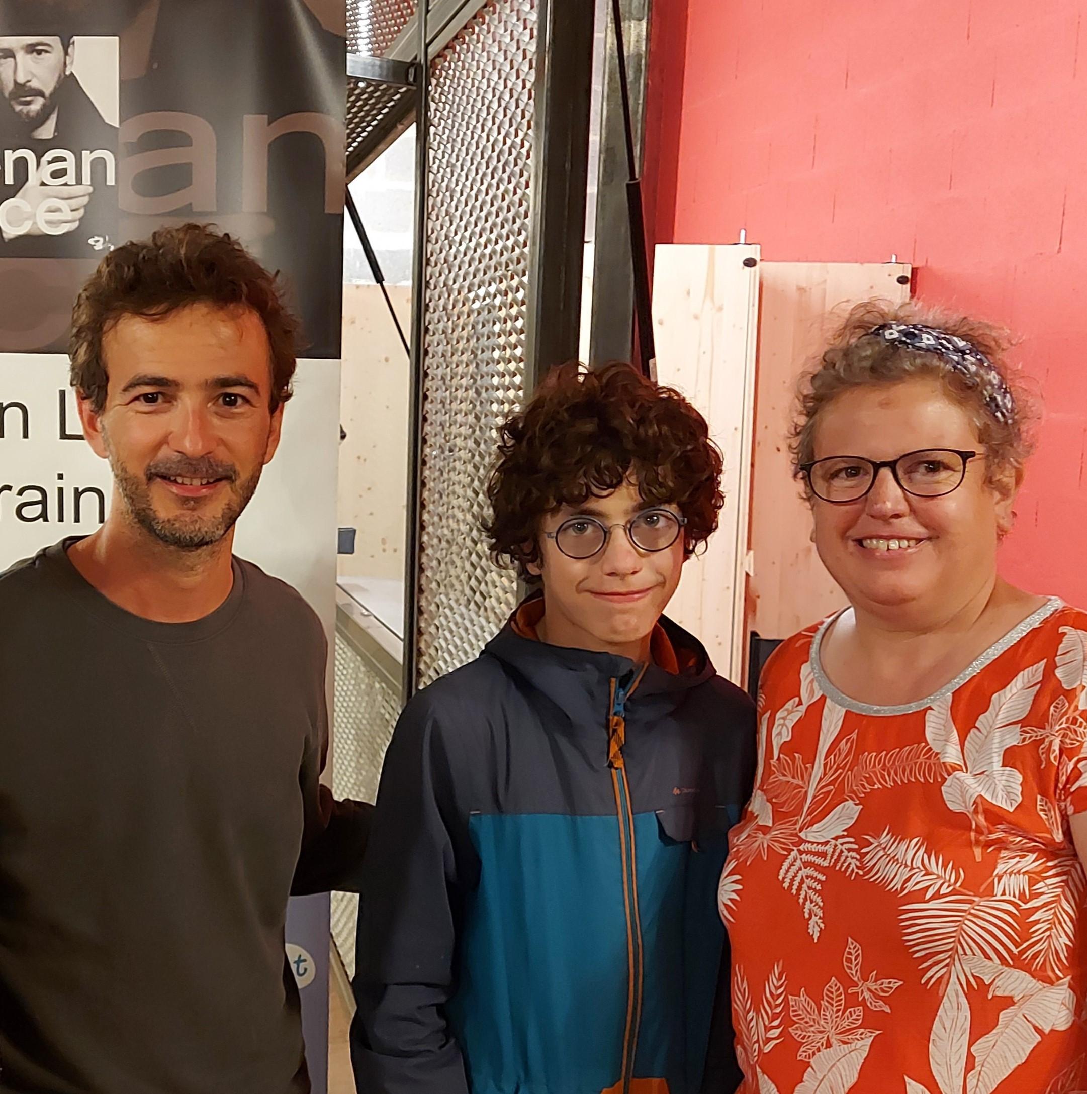 Read more about the article Quatre concerts et stands DFD de notre parrain Renan Luce pour DFD 44 !